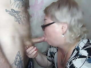 Watch blowjob and cum in mouth